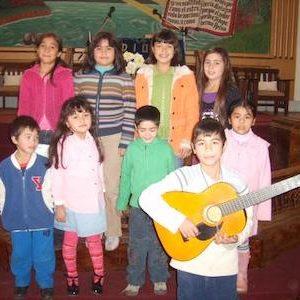 Como puedo ensenar a los ninos el cantar