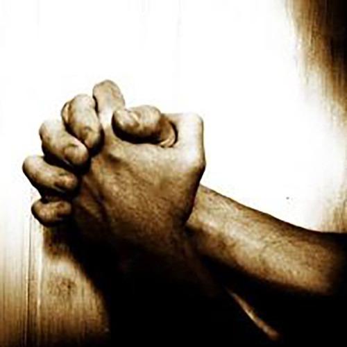 Imagen de manos rezando