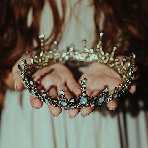 Imagen de una corona.