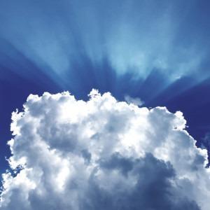 Foto de nubes y rayos solares de Gabriel Lamza en Unsplash