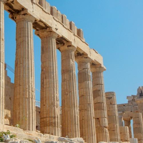 Foto de ruinas griegas por Clark Van Der Beken en Unsplash