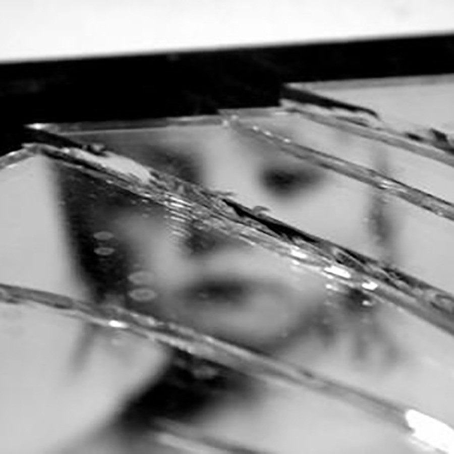 broken-mirror-img