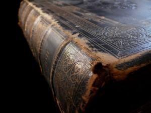 biblia-vieja-2