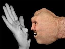 mano-y-el-pun%cc%83o