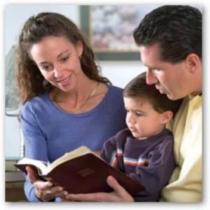 http://obrerofiel.com/wp-content/uploads/2009/07/el-dise%C3%B1o-de-Dios-para-el-matrimonio-y-la-familia-300x300.jpg