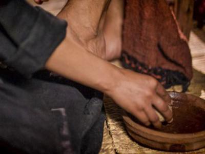 Jesús lava los pies de sus discípulos